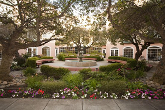 Carlton Senior Living Fremont, CA - Courtyard