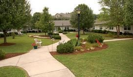 Brookdale Colonial Heights - Kingsport, TN - Community Courtyard