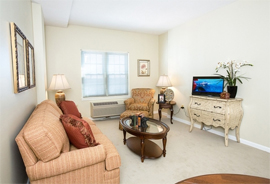 Stratford House - Danville, Virginia - Apartment